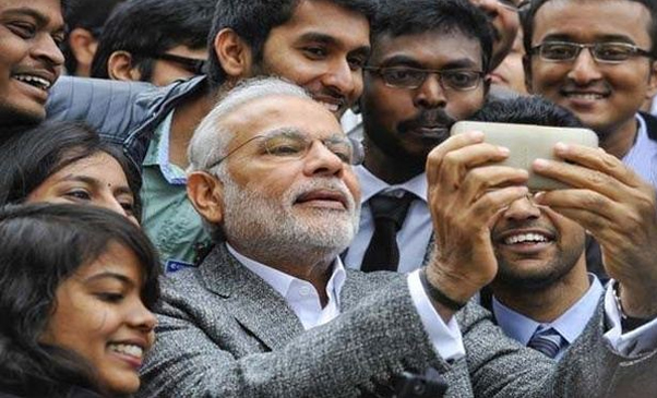 07-Android-or-iPhone-Which-Phone-does-Narendra-Modi-vouch-for